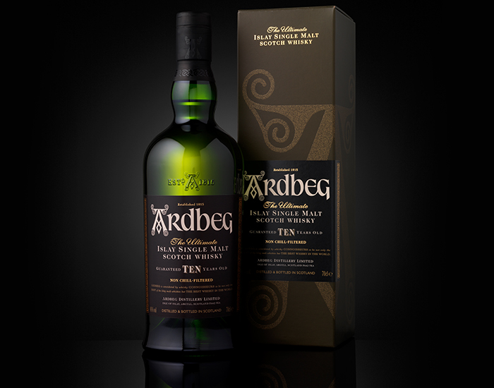 2000 – ARDBEG TEN YEARS OLD AND ARDBEG COMMITTEE LAUNCHED.